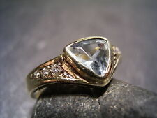 REIF-DESIGN - SCHICKER 1,08 CARAT DIAMANT UND AQUAMARIN RING - 585 GELBGOLD