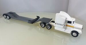 ERTL John Deere Semi Truck with Lowboy Trailer - 1/64 Scale
