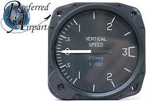 United Instruments Vertical Speed Indicator VSI PN C661035-0101, 7030 C29
