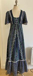 Stunning Vintage Richard Shops Dress with Tier, Vintage Size 12