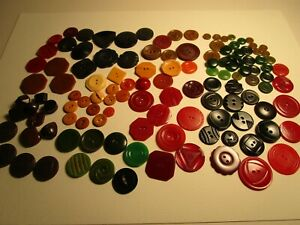 Large Lot Mixed Bakelite Buttons 120 + Count $6Sh