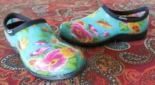 NEW SLOGGERS TURQUOISE PANSY RUBBER RAIN GARDEN POOL BEACH CLOGS 9 VERY CUTE