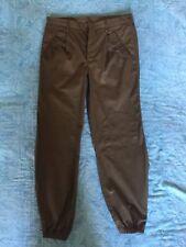 Pantaloni tipo militare nuovo senza etichetta    taglia media colore verde