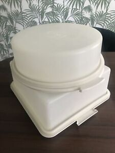 Vintage Tupperware Cake Saver Keeper Container x2 Square & Round