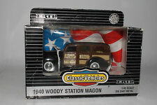 ERTL CLASSIC VEHICLES 1940 WOODY WAGON MOSER MANUFACTURING SCHOOL, 1:43 NIB