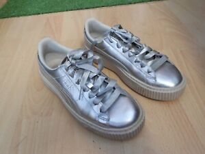 WOMENS PUMA BASKET PLATFORM METAL TRAINERS - UK SIZE 4.5 - IN GOOD CONDITION