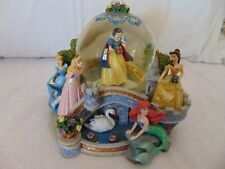 Walt Disney Princess Snow Globe Statue Snow globe Music Box Musical Globe 22293