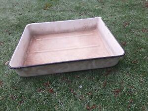 Vintage  Enamel Roasting/ Baking Dish / Tray with pouring lip.