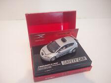 Scalextric SCX Digital System Slot 1/32 SEAT LEON SAFETY CAR + BOÎTE