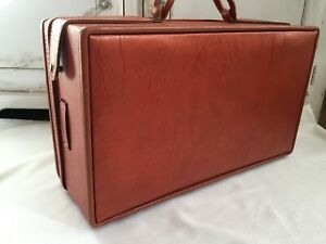 """VINTAGE HARTMANN RED FAUX LEATHER  BELTING SUITCASE LUGGAGE 21"""" X 12"""" X 7"""""""