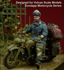 DDAY MINIATURE OFFICER MOTORCYCLE RIDER 1943-45 35080