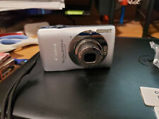 Canon Power Shot SD1300 IS 12.1 MP 480P Silver Digital Camera w/4gb SD card