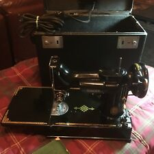 VINTAGE PORTABLE SINGER FEATHER WEIGHT SEWING MACHINE 221-1 WITH BOX GREAT COND!