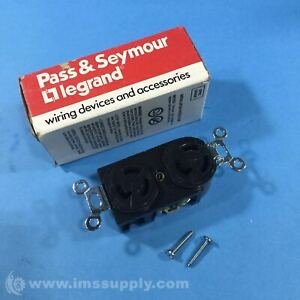 Pass & Seymour 4700 Twistlock Duplex Receptacle, 15A, 125V FNOB