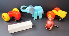 VINTAGE FISHER PRICE LITTLE PEOPLE 5 PIECE FARM INCLUDING 2 ANIMALS