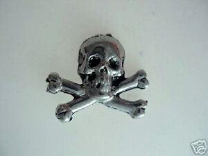 Skull & Crossbones  Pewter Tac Pin 1