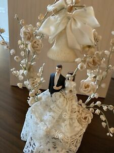 antique wedding cake topper Lace Flowers Couple 1950s
