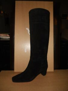 Christian Louboutin CAVALIERE Black Suede Knee High Tall Heels Boots $1,295