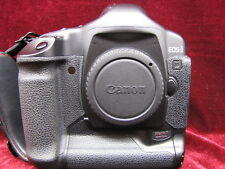 Canon EOS-1D Mark II Digital Camera Body, Battery, Charger & 32GB Mem Card