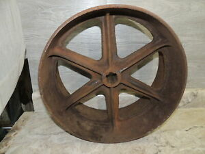 "JD618 Flat Belt Pulley, 1 3/8"" PTO Splined, 15.5"" Diam, 7"" Face, John Deere"