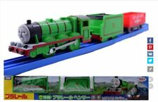 JAPAN TOMY THOMAS & FRIENDS TS-03 HENRY WITH 2 TRUCKS MOTORIZED TRAIN