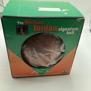 AMF Michael Jordan 23 Signature Bowling Ball Undrilled 15#