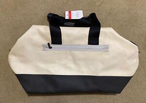 NWT Lululemon Gym/Duffle Bag   Cream/Black 22x14x12