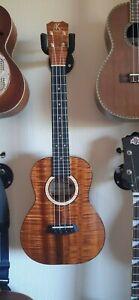 Kanile'a k3 premium koa tenor ukulele. Beautiful condition. Includes case.