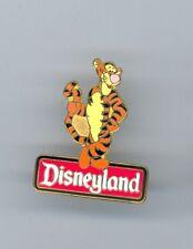 Disney Winnie the Pooh friend Tigger Standing on Disneyland Sign Pin & Card