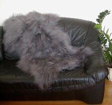 langhaarige Heidschnuckenfell grau gefärbt, ca. 115x75 cm, Haarlänge ca. 15 cm