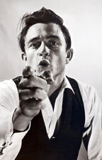 Johnny Cash UNSIGNED photo - K6959 - American singer-songwriter