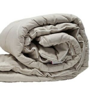 Blanket.-Thick blanket with the addition of flax Tog 13.5. gift mask