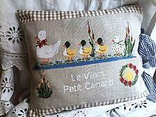 Le Vilain Petit Canard~Lilli Violette