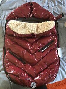 7am enfant polar igloo medium red New