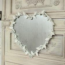Deko-Spiegel im Shabby-Stil aus Metall