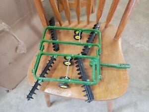 """Ertl John Deere Center Toy Fold Power Flex Disc/Harrow 583-7301 17"""""""