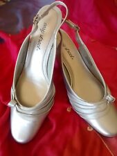 SHOES ladies  heels, Sz 7- 10 All colors, brands and heights some are NEW