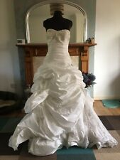 Maggie Sottero Ivory Ball Gown Wedding Dress. Size 10