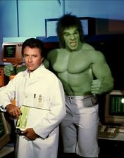 BILL BIXBY AND LOU FERRIGNO 8X10 GLOSSY PHOTO PICTURE