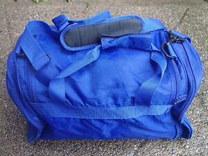 QUADRA BLUE SPORTS BAG £29.95