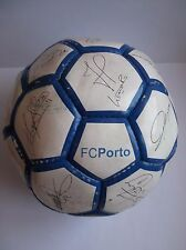 Soccer ball of the F.C.Porto autographed by the players, Mccarthy, Pepe, Helton