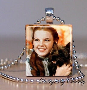 Vintage Dorothy Toto Charm Necklace Wizard of Oz Collectable Pendant