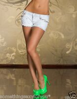 SEXY LIGHT BLUE JEANS DENIM SHORTS HOT PANTS WITH DECORATIVE FLOWERS.