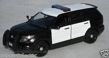 Motormax 1/24 2015 Ford PI Utility Police SUV - Blank B&W With Lightbar