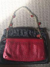 Impresionante Edición Limitada Gucci Guccissima rojo embrague con corazón encantos Rara!