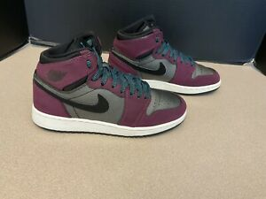 """Youth Nike Air Jordan 1 High Retro GG """"Mulberry"""" Shoes. Size 4.5Y. Awesome Shoes"""
