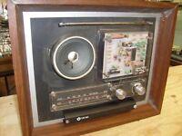RARE VINTAGE 1970S UNIMARK SEE THRU DISPLAY WALL TRANSISTOR RADIO UM-002 - KLANG