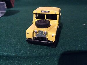 Dinky Toys Land Rover no.255 in AA Livery
