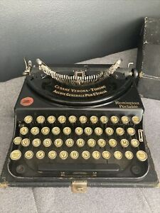 ANTIQUE REMINGTON PORTABLE TYPEWRITER WITH CASE Buttons In French