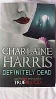 CHARLAINE HARRIS _  DEFINITELY DEAD __ LIPSTICK COVER _BRAND NEW __ FREEPOST UK